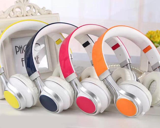 """"""" atacado """" Super melhor fone de ouvido pbeats Pro DJ Headphone Studio Monitor pioneira Headset MP3 fone de ouvido fone de ouvido voz clara(China (Mainland))"""