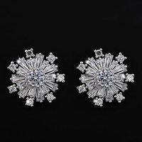 Latest Fashion Zircon Earrings White Gold Snowflake Stud  Earrings
