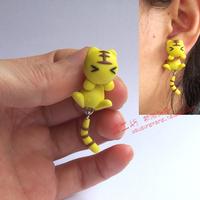 Personalized clay soil earring earrings cartoon little tiger split stud earring