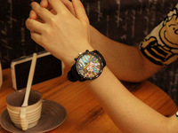 Free shipping les handsome t Harajuku graffiti large dial watches tide male Korean American comic Ms. student couples table