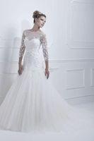 Long Sleeves Applique Backless  Bridal  Wedding Dresses