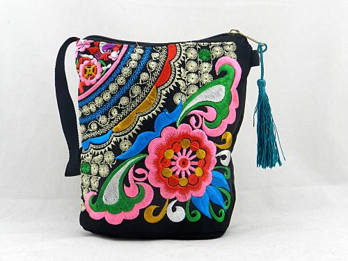 Original Yunnan Ethnic embroidery bag phone diagonal change packet embroidered cloth shoulder bag female models(China (Mainland))
