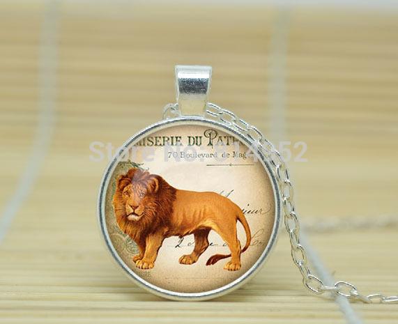 1pcs Lion necklace ephemera french postcard pendant ephemera jewelry Glass Cabochon Necklace A1556(China (Mainland))