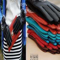 2014 autumn and winter Miss Han Ban fur balls plus thick velvet warm leather gloves points Women gloves Hot