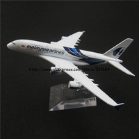 16cm Alloy Metal Blue Air Air Malaysia Airlines Airbus 380 A380 Airways Plane Model Aircraft Airplane Model w Stand Toy Gift