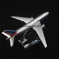 Free shipping 16cm alloy plane model toy american AA b777 N755AN