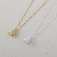 Wholesale 30pcs/Lot Zinc Alloy Gold Silver Simple Little Triangle Geometric Necklace Charm Pendant Necklace Women Lady Necklaces