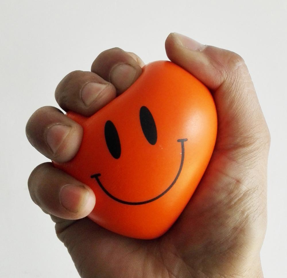 7*5.5cm 4pcs/lot pu foam material smiley face pu heart stress ball,pu heart toy ,squeeze ball,relax ball free shipping(China (Mainland))