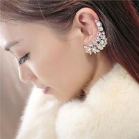 Punk Crystal Rhinestone Leaf Stud Earrings Brinco Ear Hook Bohemian Elf Ear Clip Earring Personalized Jewelry For Women