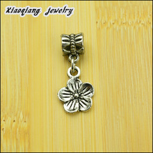 Free shipping! 2014 New 70pcs Tibetan silver   Flower  European charm beads Fit European Bracelets DIY DT002