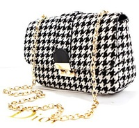 Black and white plaid messenger bag chain, snap hit the color women's shoulder bag, starting new autumn and winter