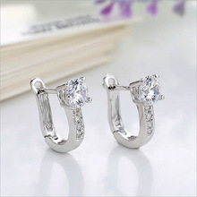 Free Shipping For 1Pair Fashion Rhinestone Beautiful Silvering Nice White Womens Hoop Earrings