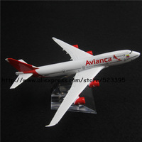 16cm Alloy Metal Airplane Model Avianca Air B747 400 Airlines Boeing 747 Airways Plane Model W Stand Aircraft Toy Gift