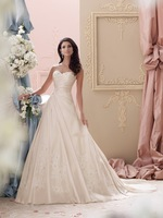 Soft Sweetheart Neckline Strapless Hand-beaded Corded Lace Applique And Memory Taffeta Full A-line Wedding Dresses Wedding Gowns
