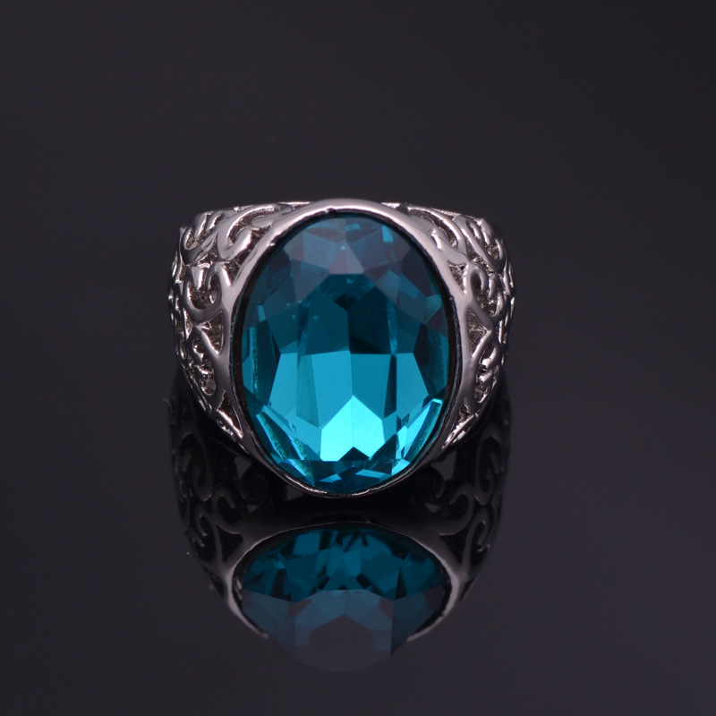 The Gorgeous Noble o Ring o creative luxury romantic alloy hollow out pigeon egg crystals high