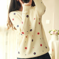 2014 autumn and winter sweet small Floral print embroidery small flower pullover o-neck sweater 8853