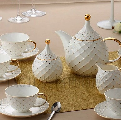 Package mail luxury 15 beads some coffee cups and saucers of high-grade bone China european-style gifts home coffee set suits(China (Mainland))