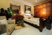 China Factory Selling Solid Wood Bedroom Furniture / 100% Totally NZ Pine Made / Combination Wardrobe / Wholesale