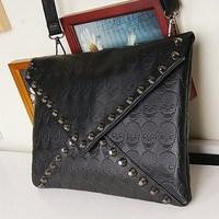 1PC New 2014 Fashion Korean Designer Rivet Envelope Single Shoulder Women Bags Skull Clutch Crossbody Punk Brand Handbags 870328