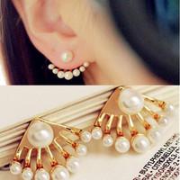 Fashion Korean Small Imitation Pearl Earrings Dragon Hand Ear Cuff Ear Stud New