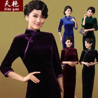 he new solid elastic velvet cheongsam elegant 5 color seven Quarter Sleeve retro long cheongsam in the Republic of China
