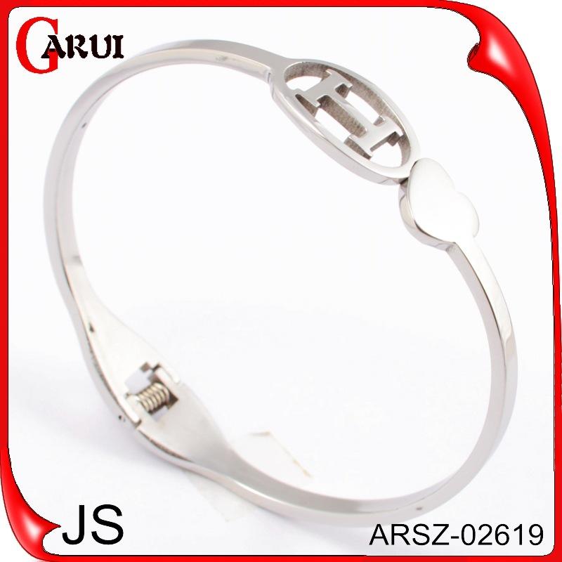 Grande estrela terno com o em forma de i oco circular seção de jóias pulseira de titânio pulseira de atacado slipknot MS(China (Mainland))
