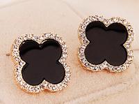 New Cute Fashion Clover Earrings 17mm Full Rhinestones Flower Earrings With Black Shell Stylish Earrings