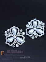 white crystal inlay pearl flwoer  lady's earings (gghhjjghj)