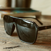 The latest version of the sunglasses Freeshipping Men's and women's  Fashionable big box RetroStyle Square glasses