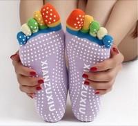 2014 Hot Sale 1Pair/Lot Women Professional Yoga Socks Anti-Slip Message Floor Invisible Sports Socks Meias Pilates