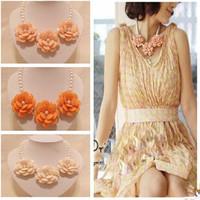 Hot Sale New 2014 Fashion pearl choker Women Necklace flowers Vintage necklaces pendants Charm Women Brand jewelry 5 colors