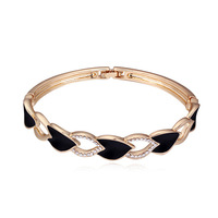 (111755)Alloy plated real gold with Austria Crystal bracelet-the quest