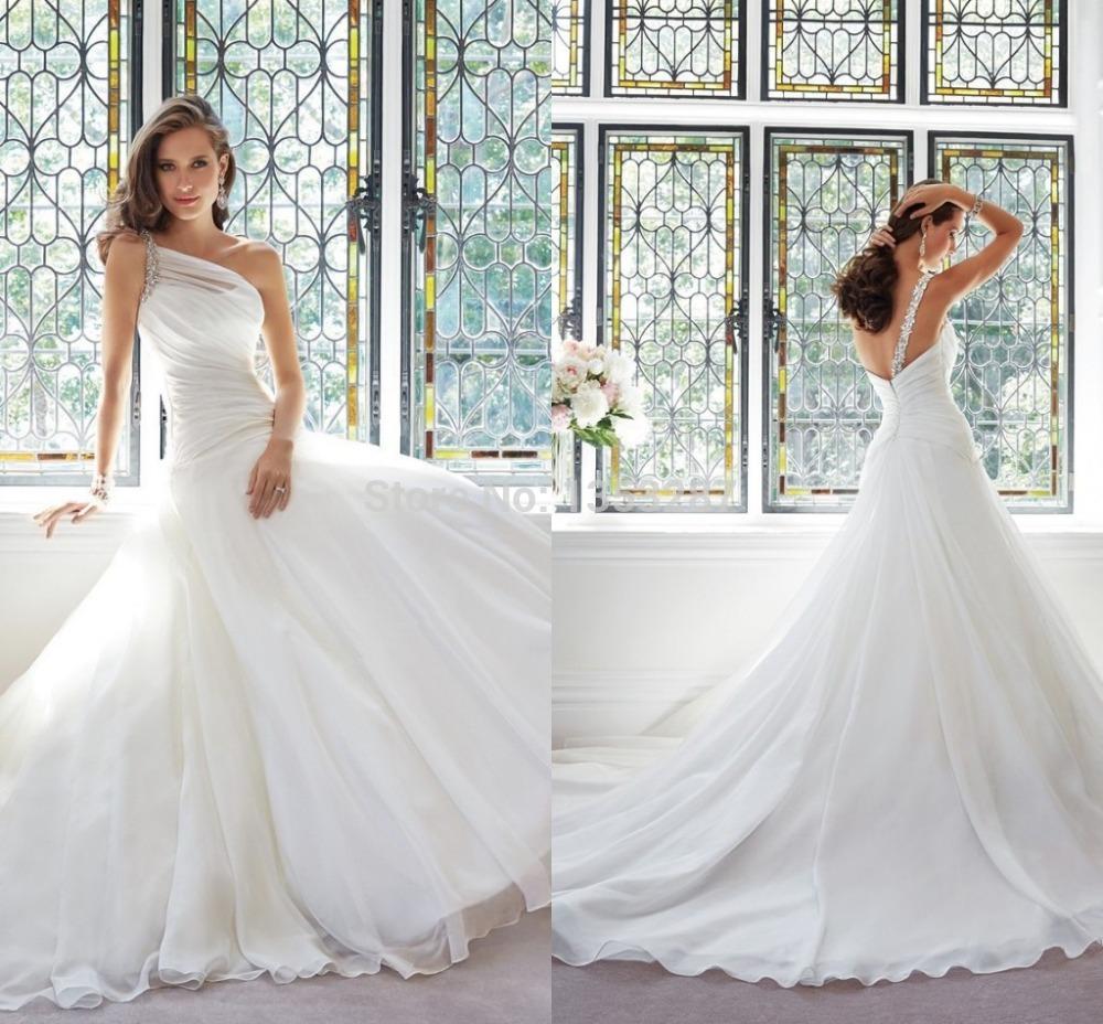 Allemand conception de la robe de mariée