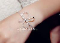 whie crystal knot flower  lady's bracelet (gghhjjghj)