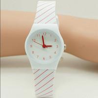 2015 New Casual Watch Willis Watches Fashion Watch For Women Mini 10m Water Resistant Children's Wrist Watch