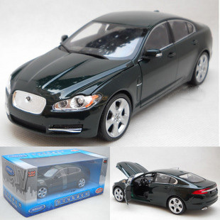 Hot sell Welly 1:24 XF holiday favorites alloy car models dark green(China (Mainland))