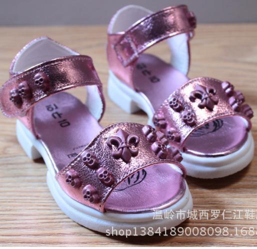 frete grátis o novo verão marca 2014 meninas amam sandálias de pequenos estaleiros rebites crianças sandálias da moda sapatos de grife 525(China (Mainland))