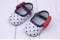 New 2014 Baby Shoes Bebe Sapatos Footwear Child Dot Unisex Girls Kids Shoe Soft Sole New Born Baby Boy Girl Shoe First Walkers