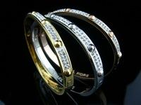 Fashion 316L Stainless Steel Half Round Crystal Rivet Banlge for Women