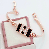 Black and white rose gold bracelet Fashion simple beauties the major suit Bracelet Free Shipping