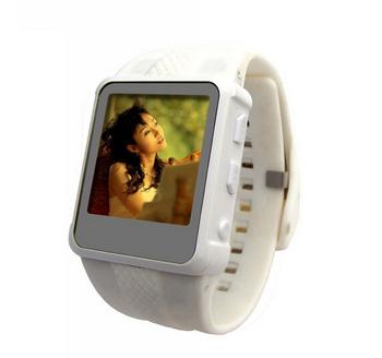 Мода музыка наручные часы спорт MP3 MP4 плеер FM радио классная музыка часы AD668 2 ГБ новые 2014 бесплатная доставка