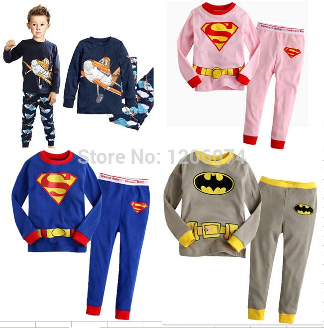2 шт устанавливает мальчиков пижамы дети мультфильм Супермен Бэтмен паук  хлопок длинные рукава пижамы наборы мальчиков пижамы 2 -7  e0e264cf57ed5