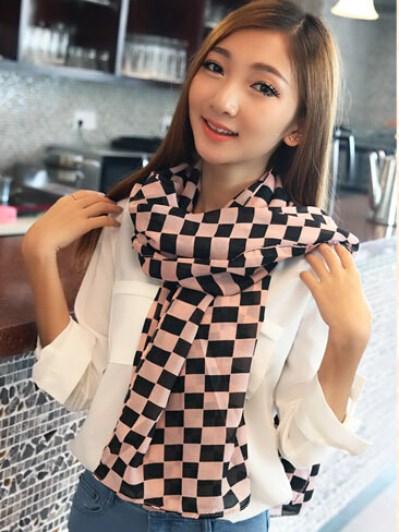 FREE SHIPPING 2014 Women Autumn Winter new Vintage black and white checkered scarf Girl plaid scarf scarves shawl W-3005(China (Mainland))