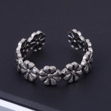 10Pcs lot Fashion Adjustable Women Vintage Daisy Flower Open Ring Toe Ring Knuckle Band Mid Finger