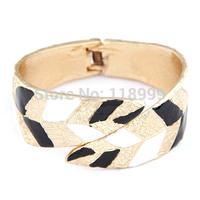 Free Shipping!New Fashion High Quality Bangle Enamel Leaf Design Gold Bracelet Factory Price For Wholesale BR2325