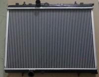 New OEM 25310-2D010 Radiator 00 AT