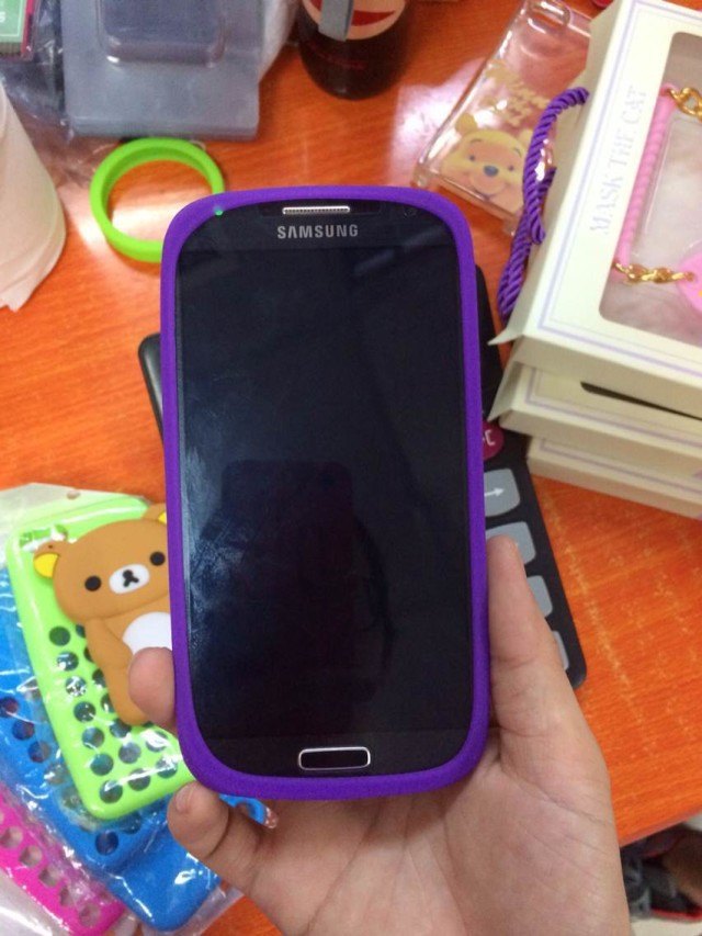 Multi functional Dustproof Rubber Bumper Luminous Fluorescent Elastic Protective Frame Case For Universal Mobile Phone(China (Mainland))