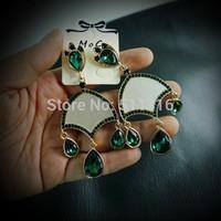 Moco-05 Green Firenze Vintage Earrings The Pope's Hood Earrings Woman Party Earrings