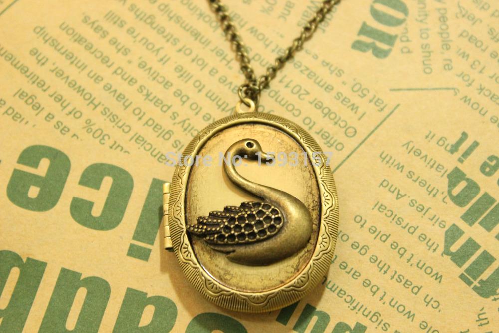 bronze Swan Charm locket Necklace, Swan, Swan Pendent, Christmas Gift, Friendship Gift(China (Mainland))