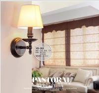 American rural Nordic corridor, wrought iron porch corridor, simple single head wall lamp